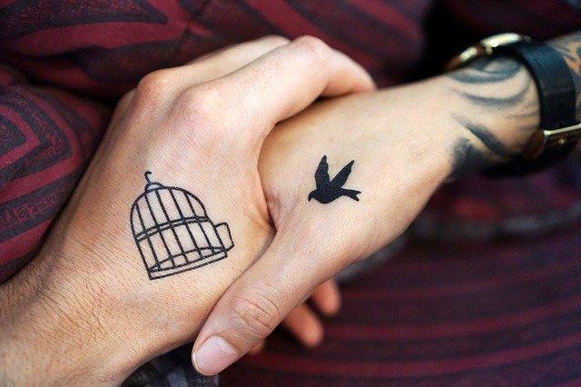 ile goi się tatuaż